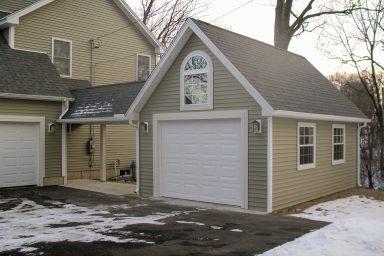 attached one car garage